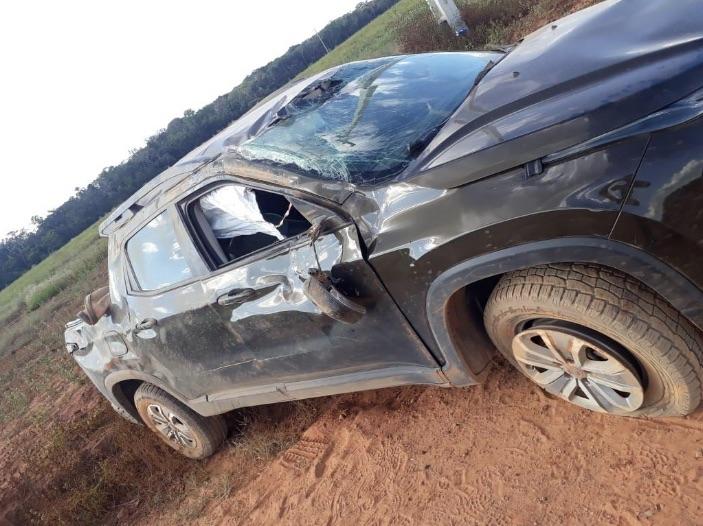 Carro capota em estrada na região de Santa Carmem e criança 1 ano e 3 meses morre