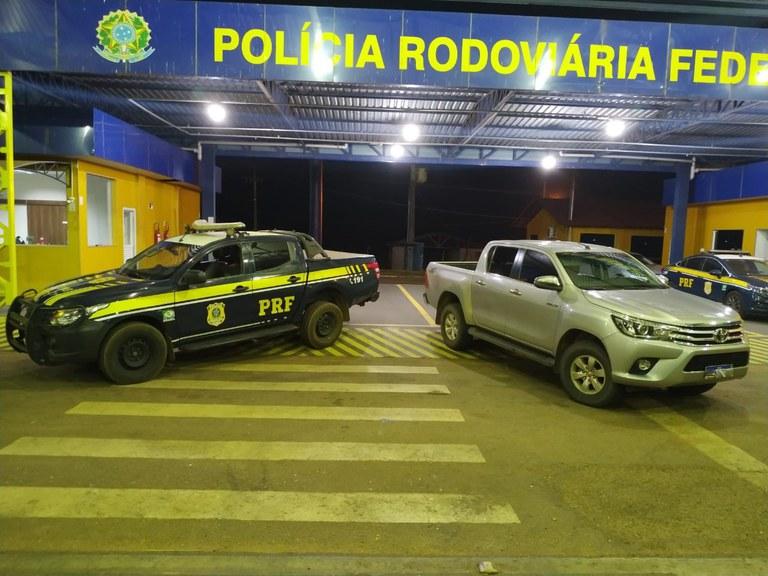 PRF em ação conjunta com as forças policiais, recuperam HILUX roubada